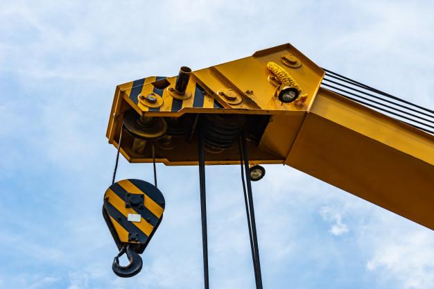 Crane maintenance services in Abu Dhabi