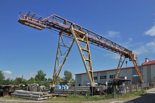 Gantry Crane Installation and Maintenance in UAE